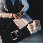Jak znaleźć taniego i terminowego kuriera