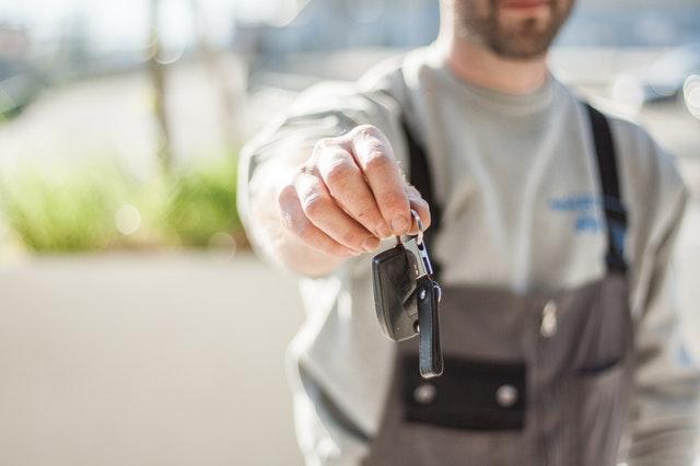 Mechanik samochodowy – gdzie szukać ofert pracy?