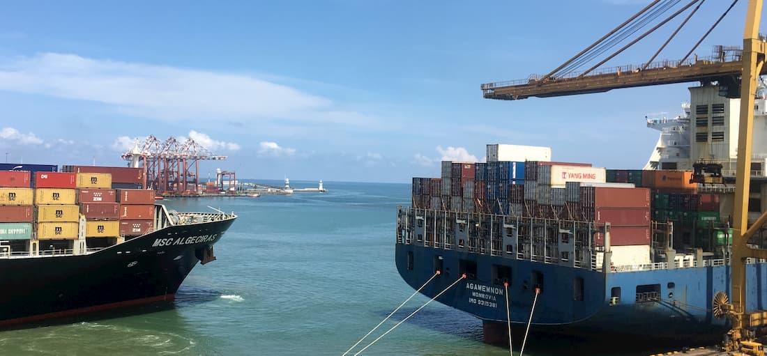 Import towaru z Chin. Jakie są etapy transportu oraz gdzie zamówić import?