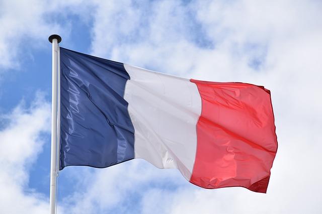 Melodyjny i efektowny język francuski