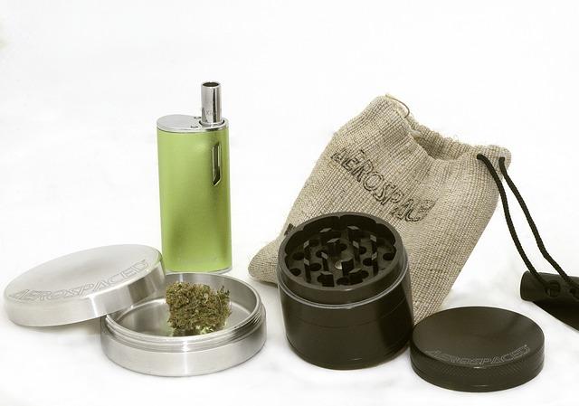 Spraw sobie prezent i wybierz niezawodne akcesoria do palenia