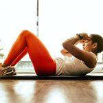 Jak wzmocnić mięśnie brzucha – ćwiczenia w domu i w siłowni