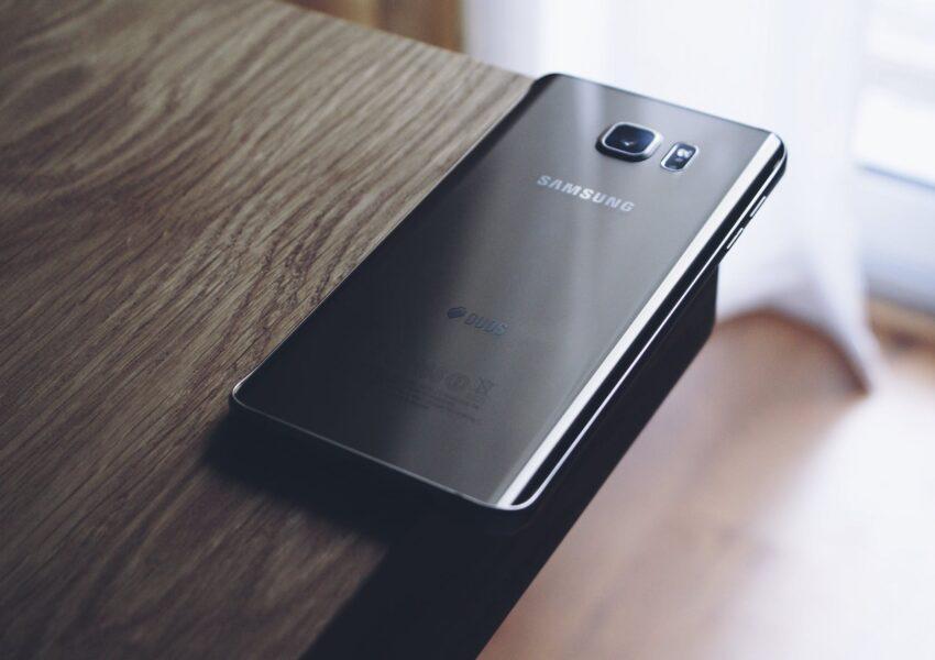 Smartfony Samsunga - co zrobić w przypadku usterek?