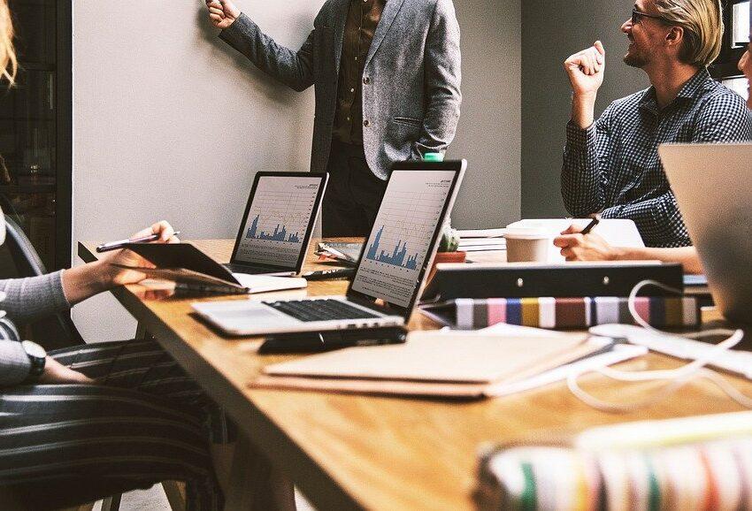 Jak odpowiedni system pomoże Ci zarządzać i monitorować produkcję w firmie?