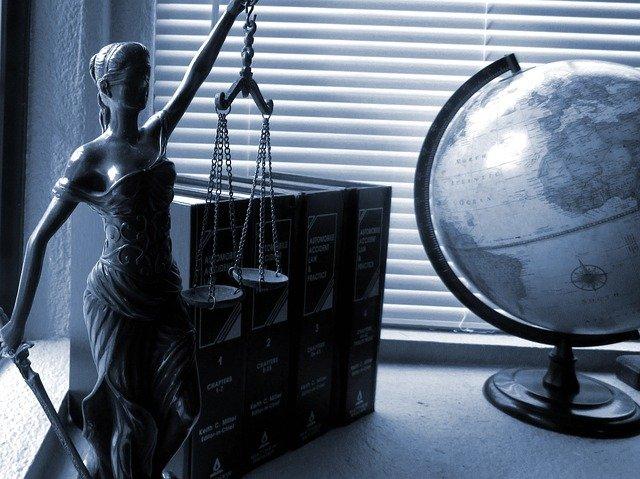 Jak się bronić przed zwolnieniem dyscyplinarnym? Porady Prawne